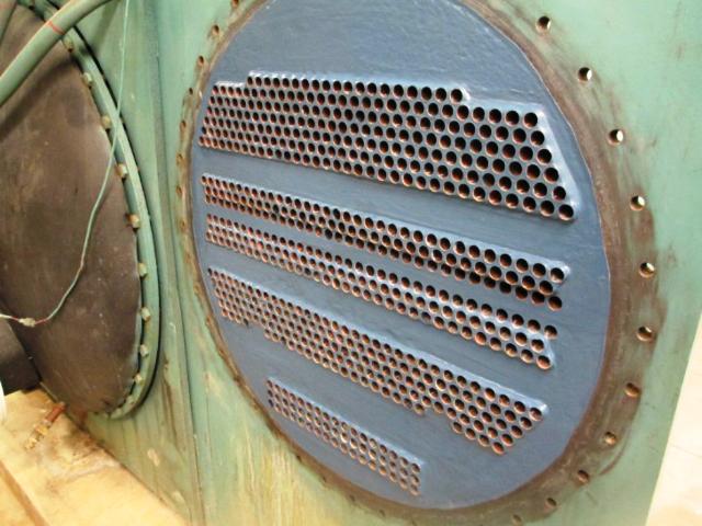 Tube sheet protected against erosion-corrosion