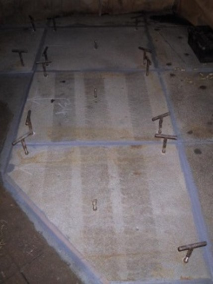 Plates cold bonded onto deck with epoxy materials